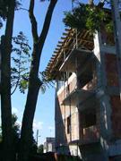 Widok budynku z ul. Lecha Falandysza w Radzyminie